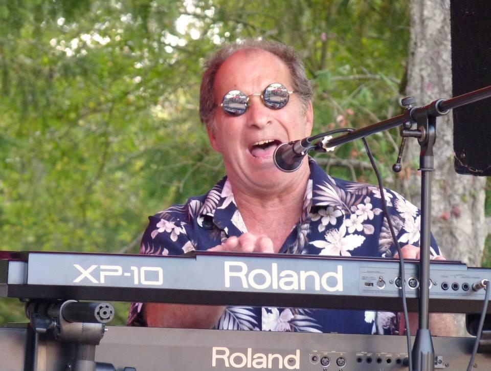 Robin King - Keyboards, guitar, singer/song writer
